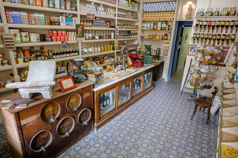Antique shops in Calaf
