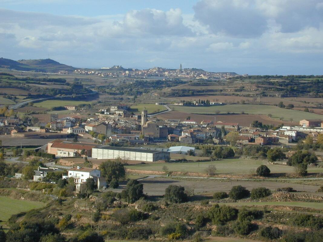 Panoramic view of Calaf (in the background) and Els Prats de Rei (in the foreground)